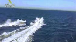 TBN: Tàu va nhau, 3 cảnh sát rơi xuống biển, 4 tên buôn ma túy quay lại và diễn biến kỳ lạ