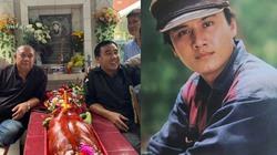 Quyền Linh, Phước Sang viếng mộ Lê Công Tuấn Anh sau 23 năm ngày mất