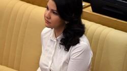 Nữ nghị sĩ Nga xinh đẹp bị FBI thẩm vấn ngay tại sân bay giữa đêm là ai?