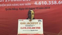 """Người phụ nữ bán vé số dạo trúng jackpot: """"Mong các con ăn học thành tài"""""""