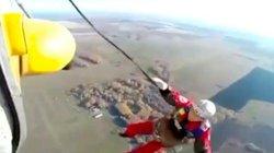Người đàn ông Nga rơi tự do từ độ cao 800m sau khi nhảy khỏi trực thăng