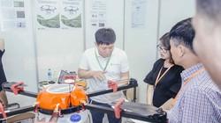 Robot, máy bay phun thuốc sâu sắp trình làng ở Thủ đô
