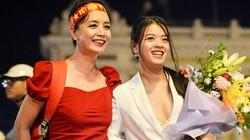 Con gái út nghệ sỹ Chiều Xuân khoe vẻ đẹp tuổi thiếu nữ