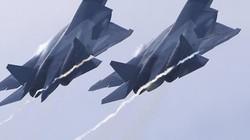 Các phi công Nga hạ gục máy bay địch trên Biển Nhật Bản