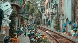 Chùm ảnh phố cà phê đường tàu Hà Nội gợi nhớ trên CNN