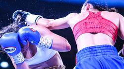 Mãn nhãn với màn thi đấu boxing đỉnh cao tại bờ hồ Hoàn Kiếm