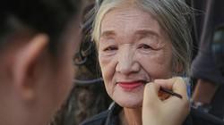 Ảnh - clip: Ngày hội sắc đẹp của những cụ bà nhặt ve chai ở Hà Nội