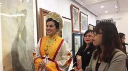 50 bức tranh được giới thiệu tại triển lãm nghệ thuật nhân Ngày Phụ nữ Việt Nam