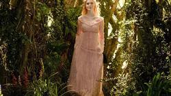 """NTK tiết lộ bí mật phục trang xuất sắc trong """"bom tấn thu"""" Maleficent"""