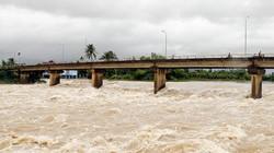 Áp thấp nhiệt đới mạnh lên, Phó Thủ tướng ra công điện khẩn