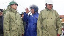 """Chủ tịch Bình Định trực tiếp """"thị sát"""" khi bão số 5 sắp đổ bộ"""