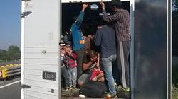 """Chuyến đi """"tử thần"""" đến trời Âu của một gia đình suýt chết trong thùng xe tải"""