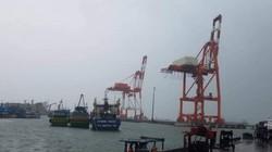 Bão số 5 chưa vào, nhiều tàu và hàng chục thuyền viên gặp nạn