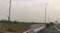 Đi bộ trên cao tốc Hạ Long-Hải Phòng, 1 thanh niên bị ôtô tông chết