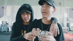 """Tung clip hậu trường fan meeting, Jack bị fan phát hiện """"bạo hành"""" K-ICM"""