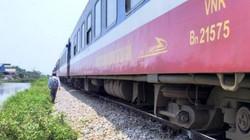 Nhân viên gác chắn đường sắt bị tàu tông tử vong