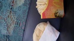 Chiếc bánh mì 10 năm tuổi nhìn vẫn ngon lành, liệu có ai dám ăn?