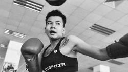 Clip: Nữ võ sĩ Việt Nam đấm đối thủ người Thái... nhập viện cấp cứu