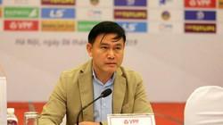 """Lãnh đạo VPF """"xát muối"""" Hà Nội FC, mang FIFA ra làm """"lá chắn"""" VAR"""