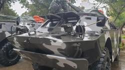 Bão số 6: Cận cảnh xe thiết giáp sẵn sàng đợi lệnh vượt bão cứu dân