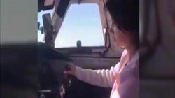 Video: Phi công Nga gặp hạn vì cho bạn gái điều khiển máy bay chở nhiều hành khách