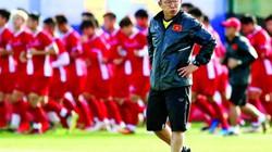 Tin tối (12/11): Thiết quân luật, ông Park nghiêm cấm học trò làm 3 điều