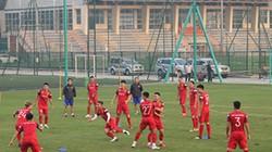 ĐT Việt Nam chơi đuổi bắt trên sân tập trước trận gặp UAE