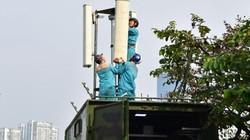 Hỗ trợ sử dụng điện thoại, internet trong trận đấu Việt Nam - UAE