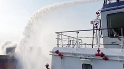 Tàu chở hơn 4.700 tấn thép phế liệu bốc cháy ngoài phao số 0