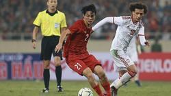 """Tuấn Anh đã khiến """"Messi châu Á"""" của UAE """"tắt điện"""" như thế nào?"""
