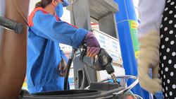 Chiều nay (15/11) giá xăng tăng hơn 300 đồng/lít