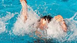 Bị cuốn vào vòng nước xoáy, 2 học sinh chết đuối, 1 người mất tích