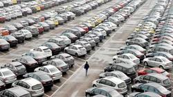 """Cận tết, """"ế"""" hơn 50.000 ô tô, giá xe sang giảm 200 triệu/ chiếc"""