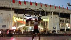 ĐT Việt Nam - Thái Lan: CĐV Thái cuồng nhiệt đạp xe 1.400km đến sân Mỹ Đình