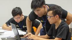 """Vô địch Code War tại Đà Nẵng, 3 chàng trai trẻ """"ẵm"""" 25 triệu đồng"""