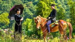 """Ở đây dân cho thuê ngựa, """"đóng giả"""" người bản địa, kiếm bộn tiền"""