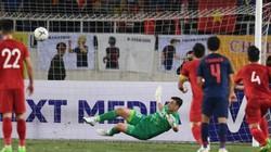Xuất thần cản phá penalty, Đặng Văn Lâm nói lời khiêm tốn