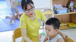 """Tâm sự thầy cô: """"Để học sinh được uống sữa tại trường, vất vả hơn những rất vui"""""""