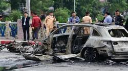 Hiện trường ám ảnh vụ xe Mercedes gây tai nạn chết người rồi bốc cháy dữ dội
