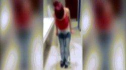 Video: Cô gái bị bắt quả tang ở cửa hàng, cởi 9 chiếc quần mặc trên người
