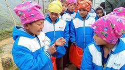 """Mang """"Đông ấm""""  đến với học sinh vùng cao Hà Giang"""