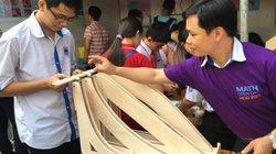 Nhiều trò chơi hấp dẫn học sinh ở ngày hội Toán học mở