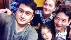"""26 tuổi, cao 1,88m Đặng Văn Lâm vẫn là """"đứa trẻ"""" với bố mẹ"""