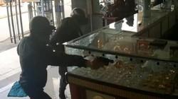 NÓNG: Danh tính nhóm nghi phạm vụ nổ súng cướp tiệm vàng ở TP.HCM