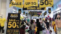"""Chưa tới Black Friday, nhiều cửa hàng tung chiêu bán hàng """"độc, lạ"""""""