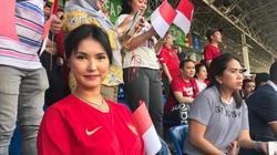 """U22 Indonesia quật ngã U22 Thái Lan nhờ... """"Thánh nữ"""" Maria Ozawa"""