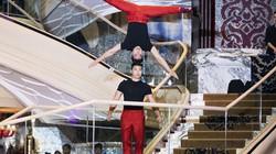 Quốc Cơ - Quốc Nghiệp diễn chồng đầu, trổ tài catwalk tại show thời trang