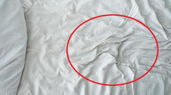 Một đêm vắng nhà, trở về phát hiện nhà bị đột nhập và điều ghê tởm trên ga giường