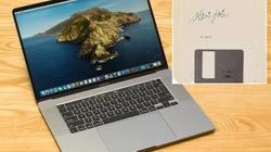 """Đĩa mềm có chữ ký của Steve Jobs bị """"thét giá"""" gấp 4 lần MacBook Pro"""
