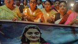 Rúng động cô gái Ấn Độ bị cưỡng hiếp tập thể, thiêu xác